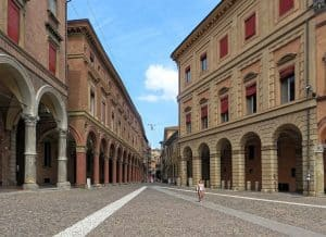cheap flights to bologna