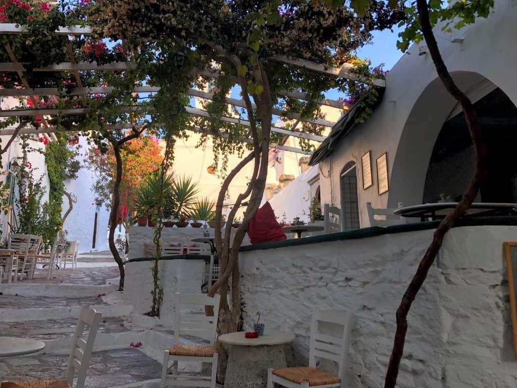 Calle en Chora, Amorgos, Grecia