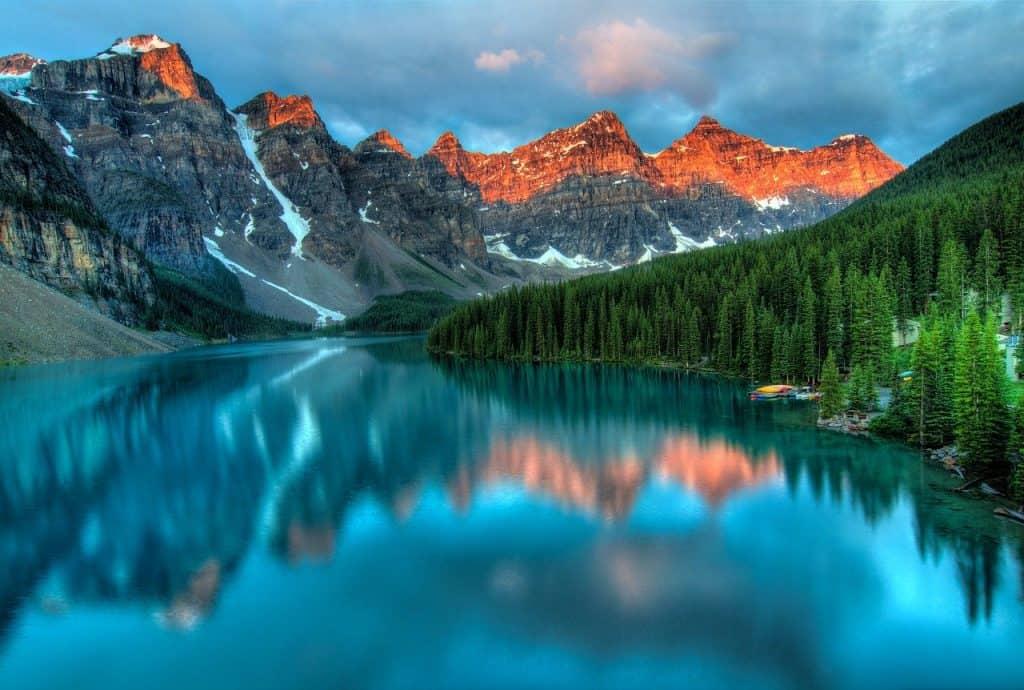 Alberta Canada Lake Montaña